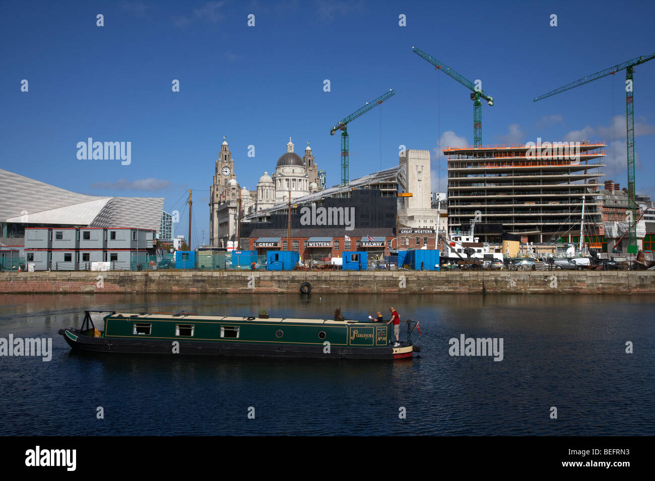 canal narrowboat on the link between the liverpool leeds canal and the albert dock liverpool merseyside england - Stock Image