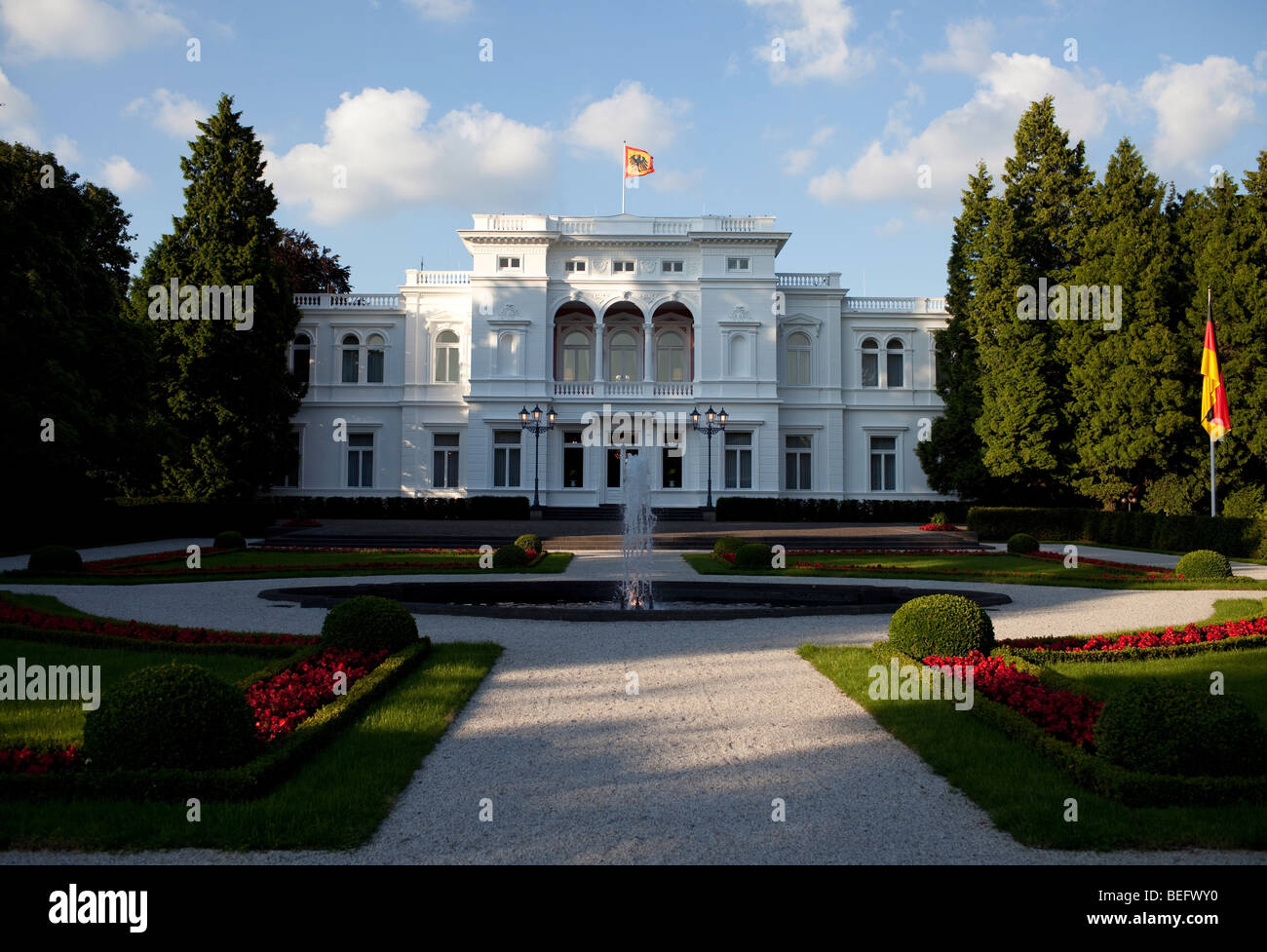 Villa Hammerscmidt, Amtssitz des Bundespr sidenten in Bonn. - Stock Image