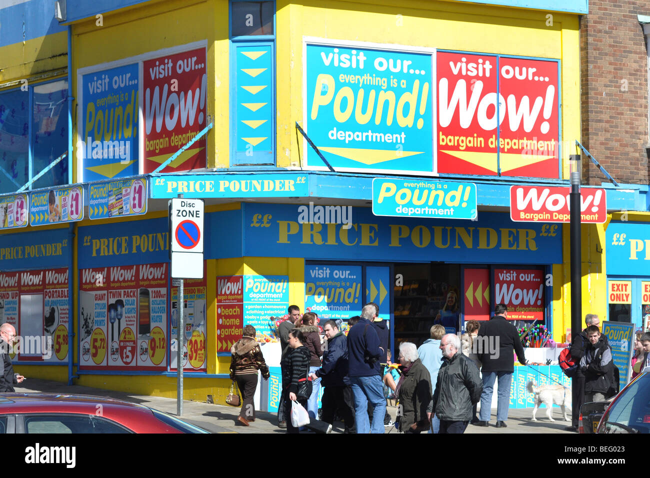 Pound bargain store, is very busy during the recession, Scarborough UK - Stock Image
