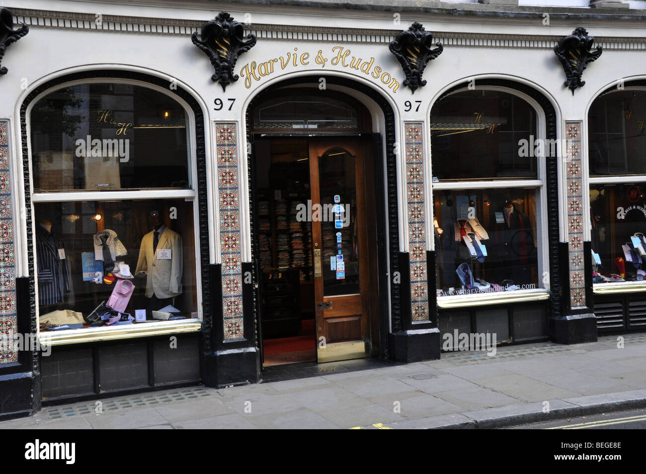 Harvie and Hudson Exclusive Mens Outfitters London UK Jermyn Street - Stock Image