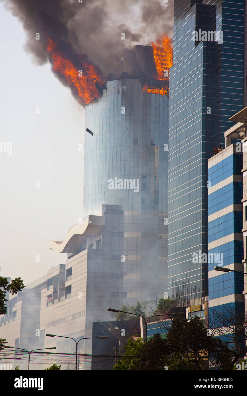 Bashundhara City Shopping Complex Building on Fire in Dhaka Bangladesh - Stock Image