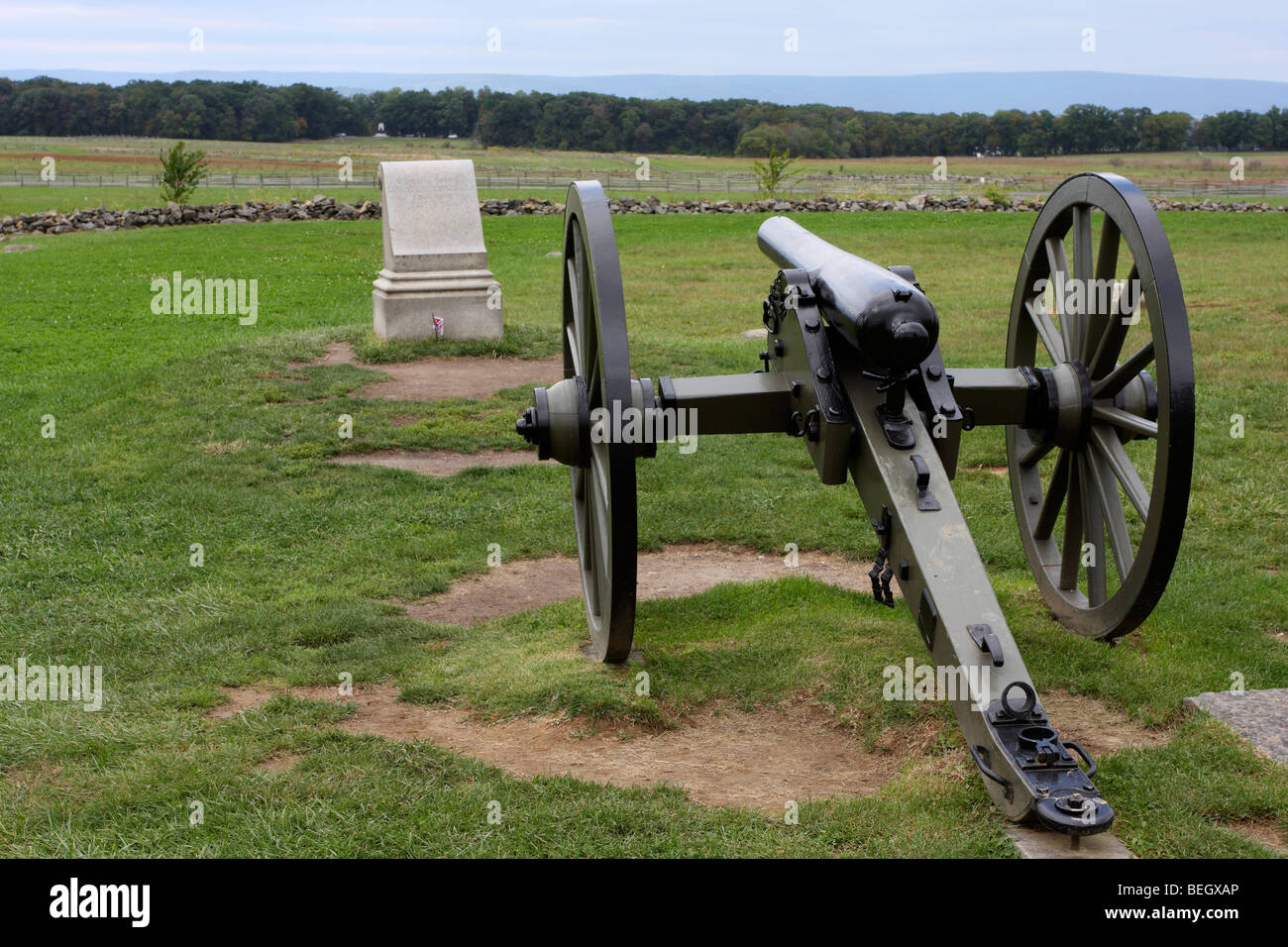 Union army cannon overlooking the fields of Pickett's Charge. Memorial to Lewis Armistead. - Stock Image