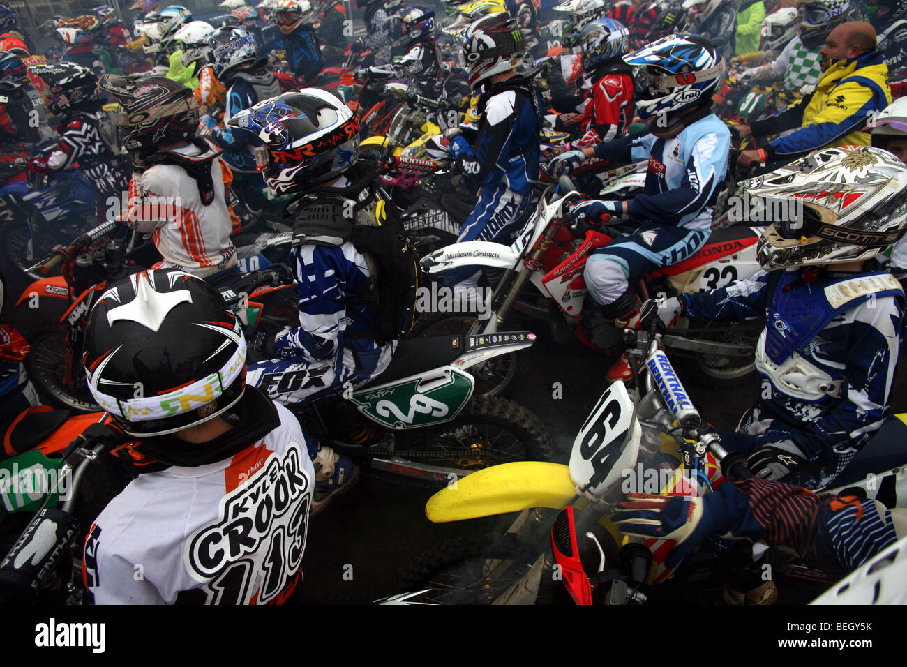 Close view of participants at Weston Beach Race waiting for the race to start - Stock Image