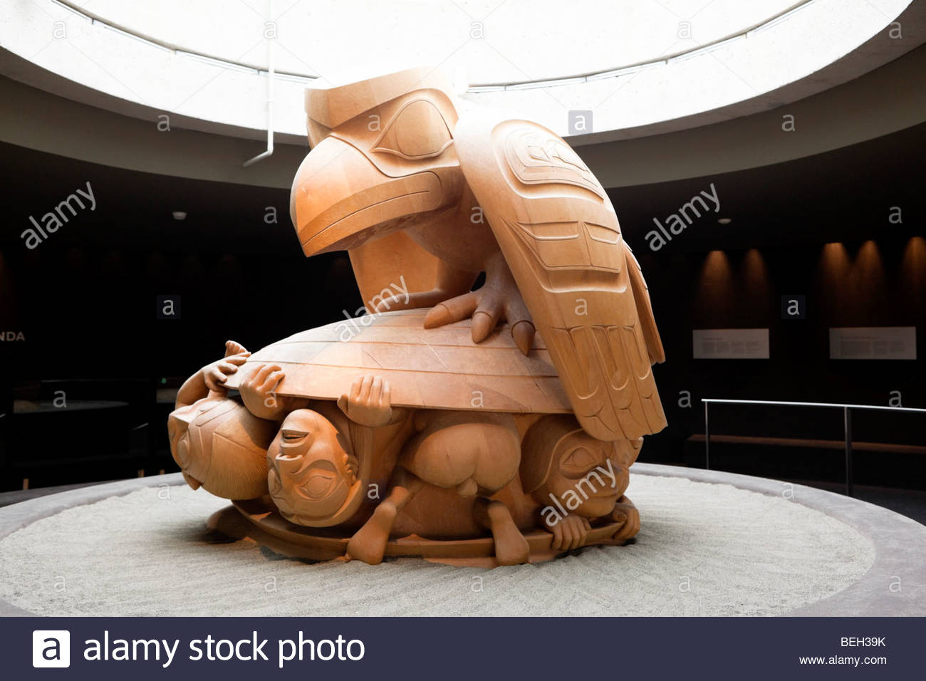 Bill Reid's Raven and the First Men Haida Sculpture at UBC's Museum of Anthropology, Vancouver, Canada - Stock Image