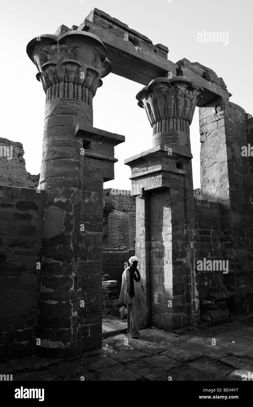 Ruins of El-Ghweita Temple in Charga Oasis, Libyan Desert, Egypt - Stock Image