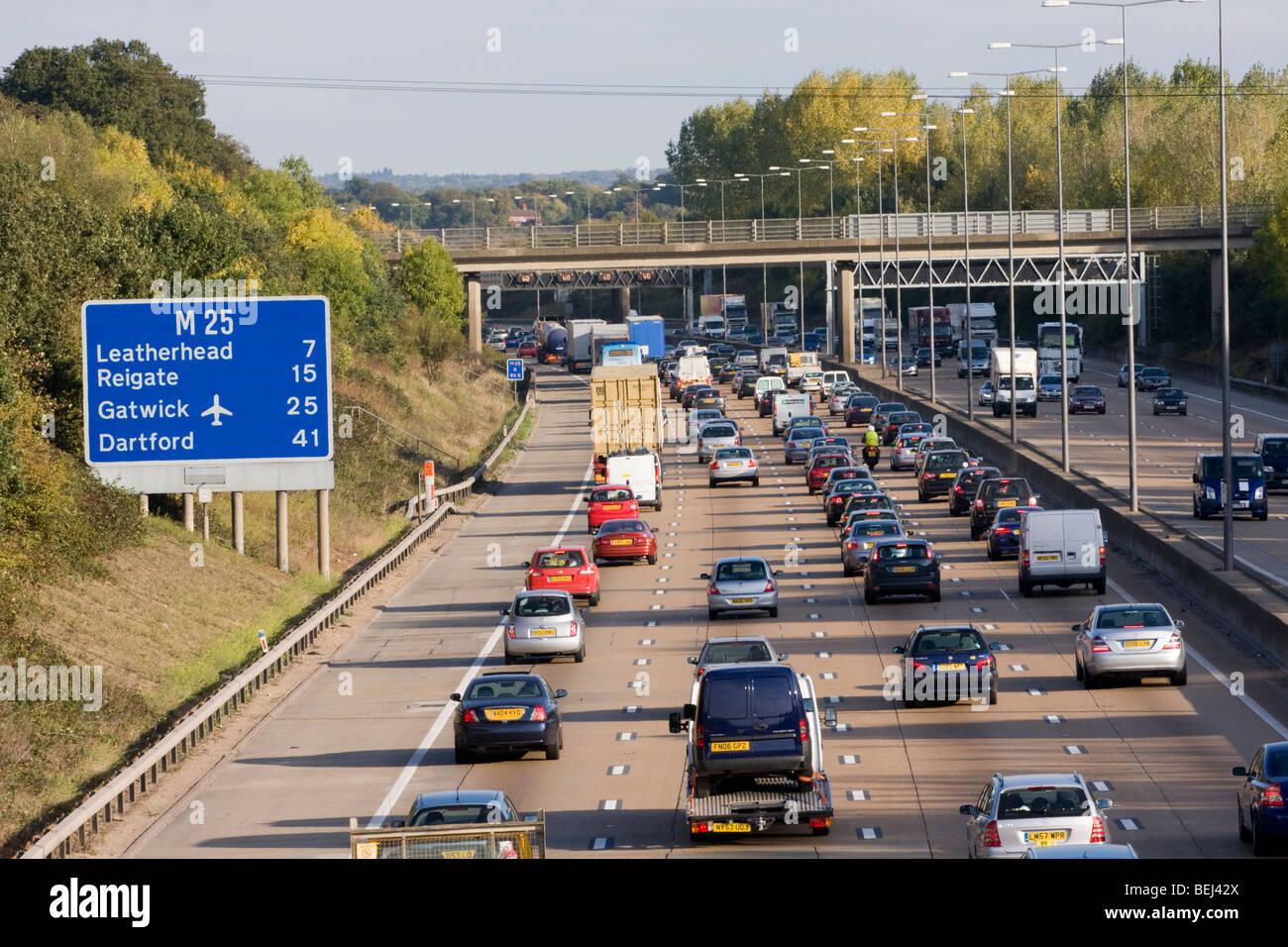 M25 motorway between 9 and 10 Surrey England - Stock Image