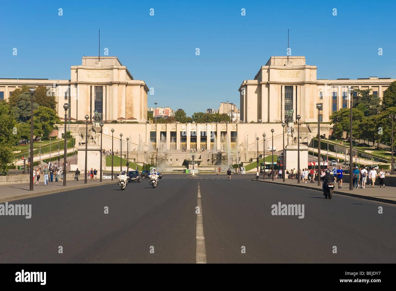 Palais de Chaillot and the Trocadero Gardens, Paris, France - Stock Image