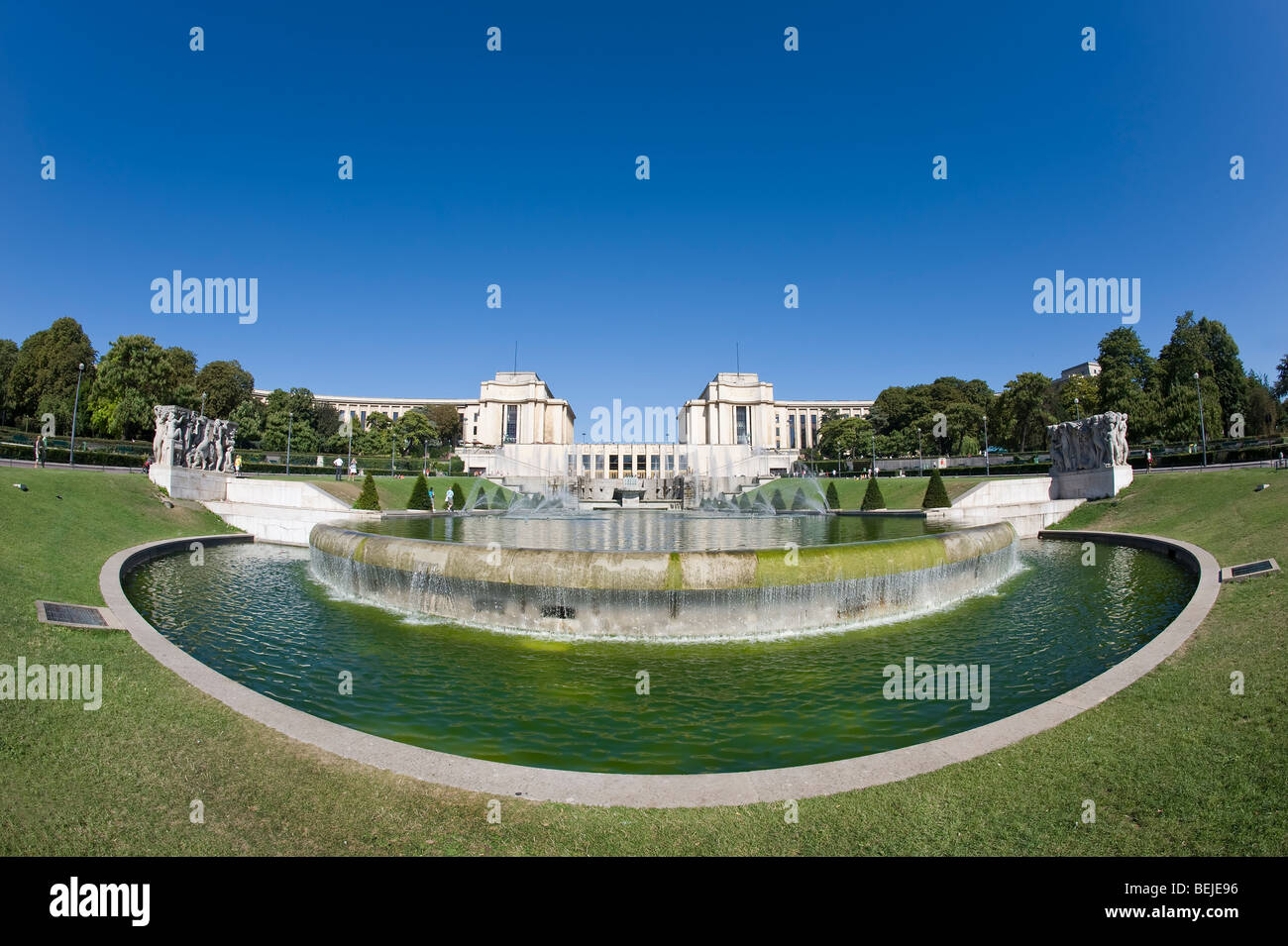 Fountains of the Trocadero Gardens, Paris, France - Stock Image