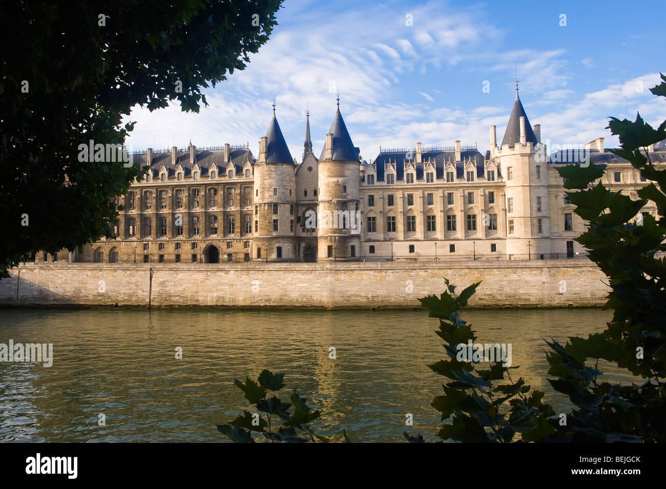 Former Conciergerie jail, Banks of the Seine, Ile de la Cite, Paris, France - Stock Image