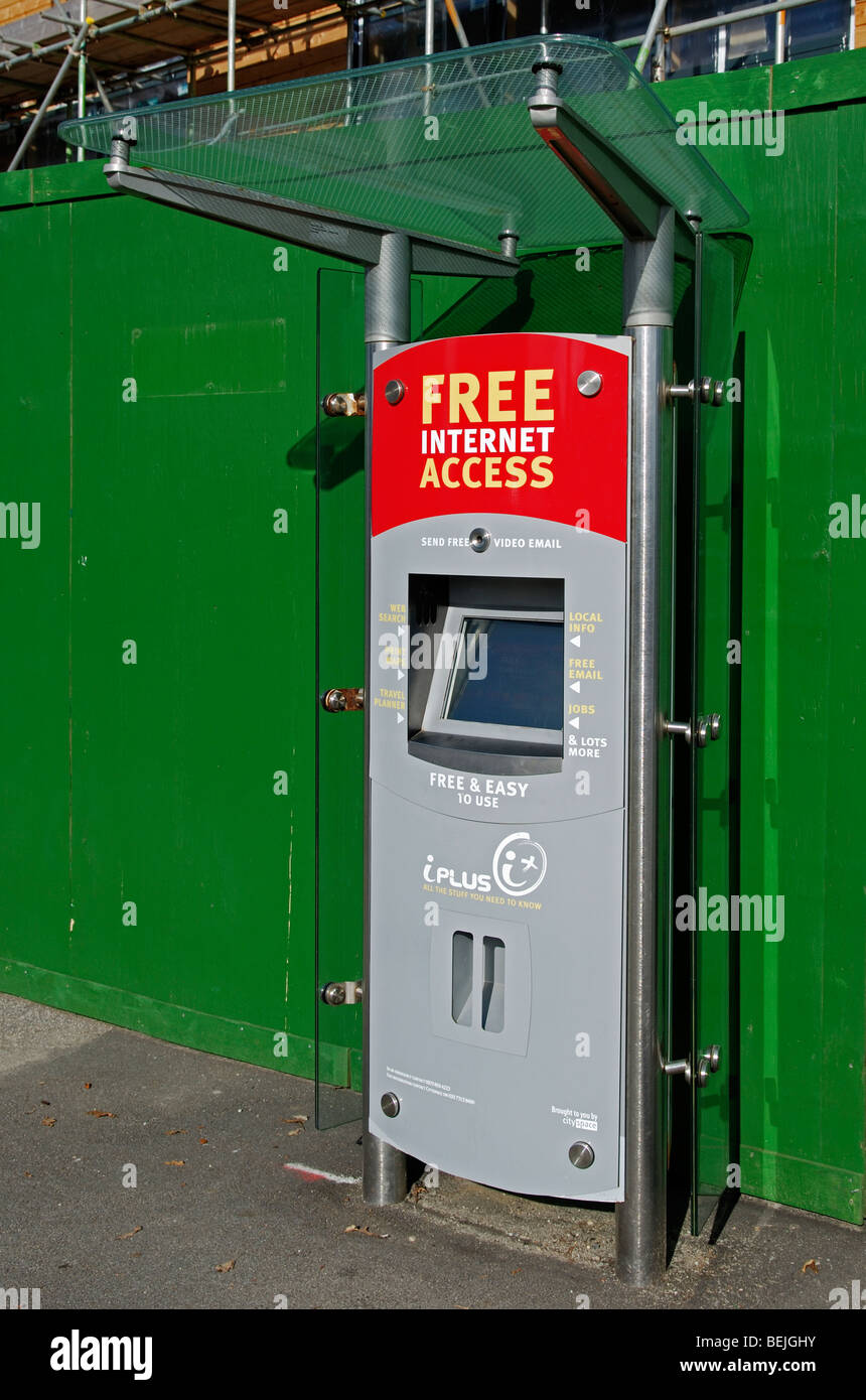 a free internet access unit in a street in redruth,cornwall,uk - Stock Image
