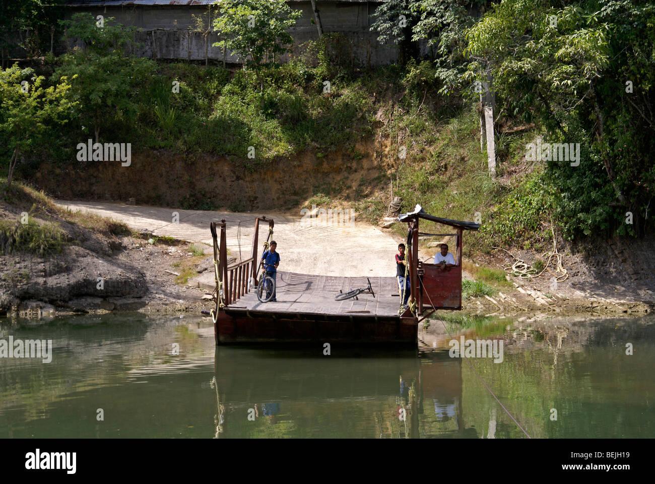 Hand operated river ferry near the town of Axtla de Terrazas, Huasteca region, San Luis Potosi state, Mexico - Stock Image