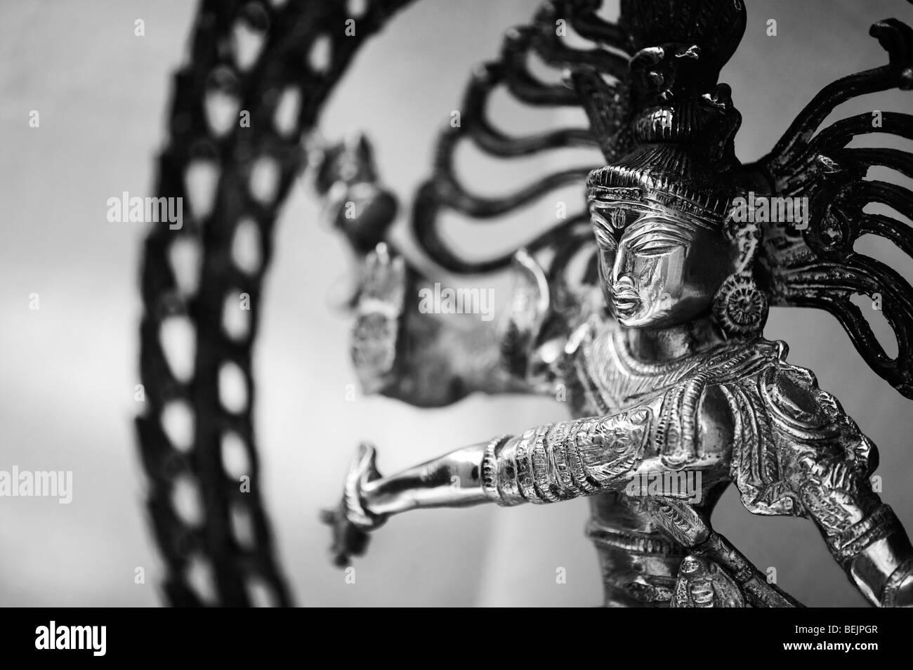 Dancing lord Shiva statue, Nataraja, Hindu God, monochrome - Stock Image
