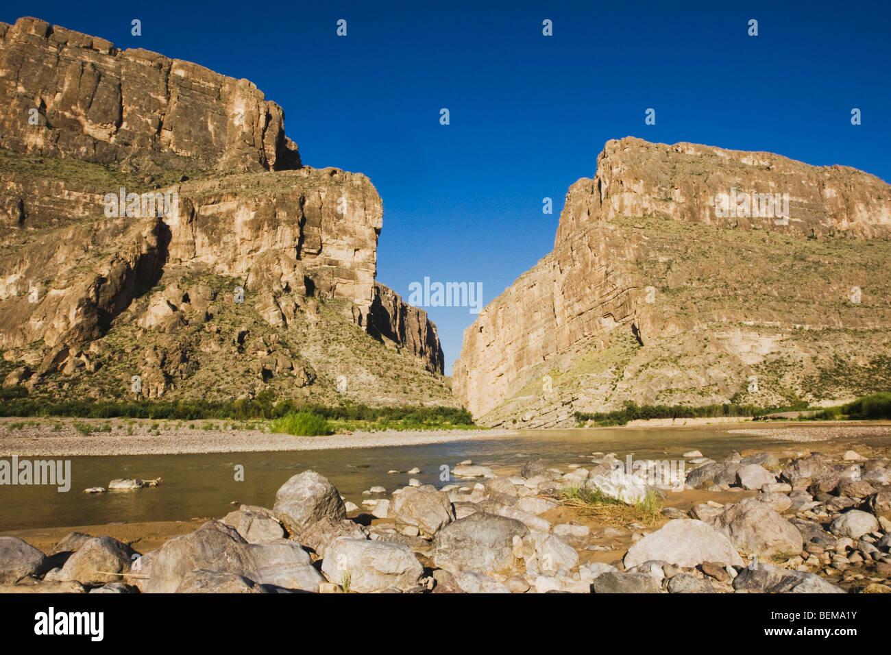 Santa Elena Canyon, Chisos Mountains, Big Bend National Park, Chihuahuan Desert, West Texas, USA - Stock Image