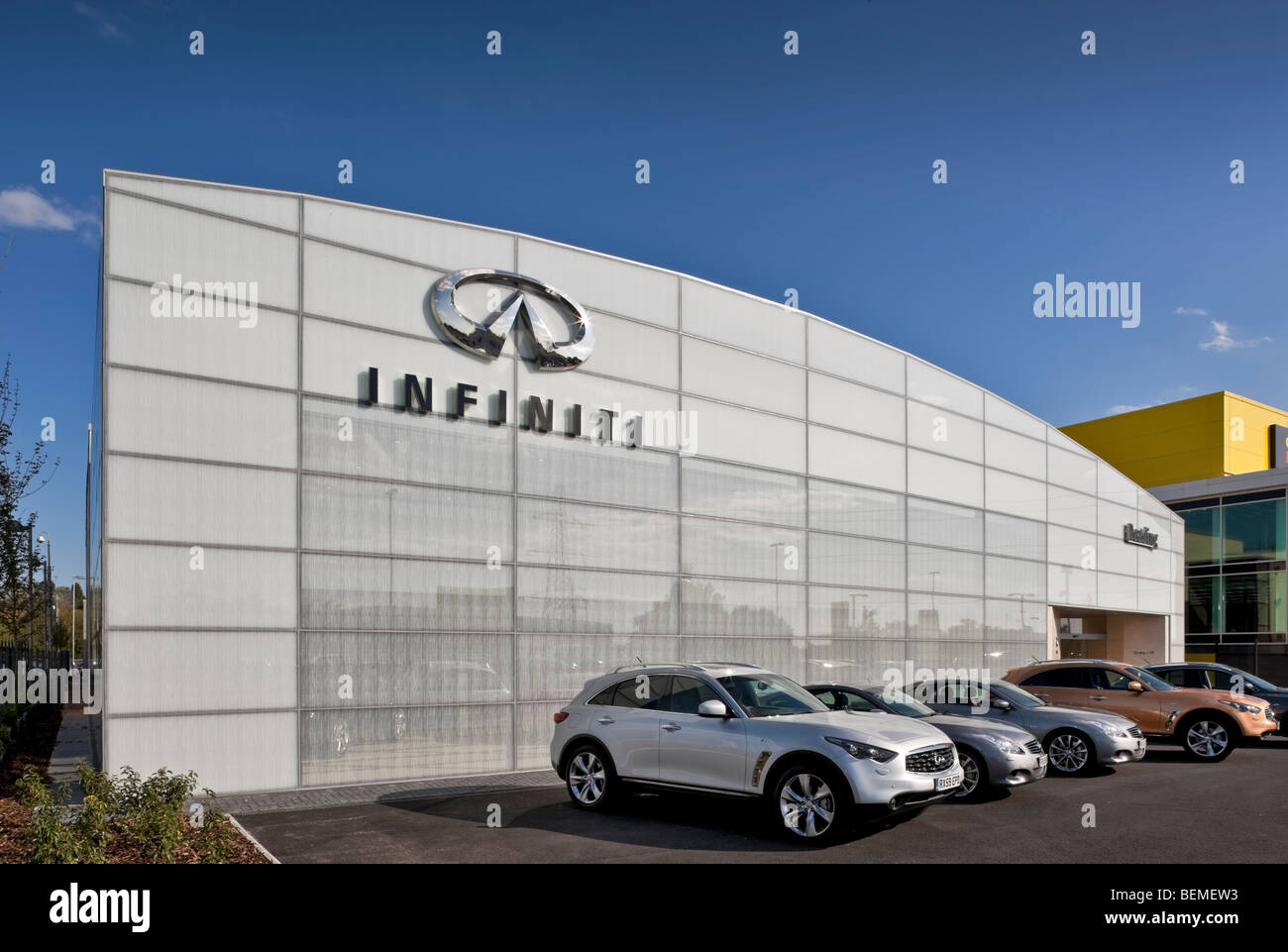 Infiniti Dealer Reading >> Infiniti Car Showroom In Reading Stock Photo 26266271 Alamy
