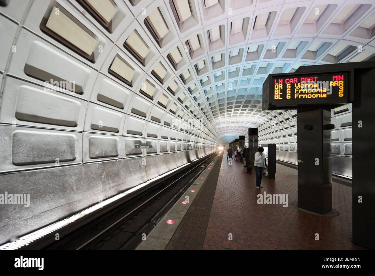 Capitol South Metro Station, Washington DC, USA - Stock Image