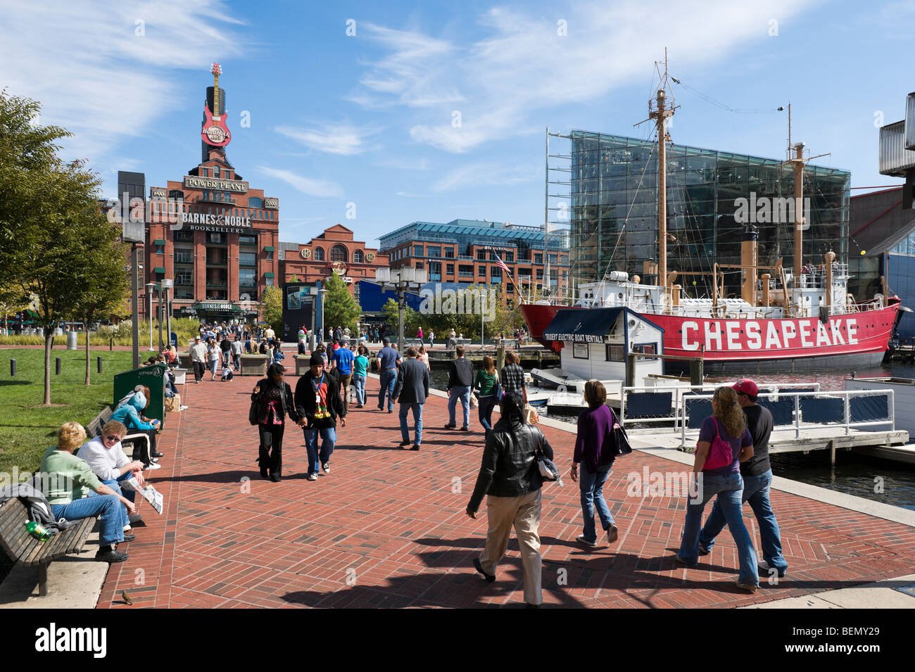 The Inner Harbor looking towards the old Power Plant and the lightship Chesapeake, Baltimore, Maryland, USA - Stock Image