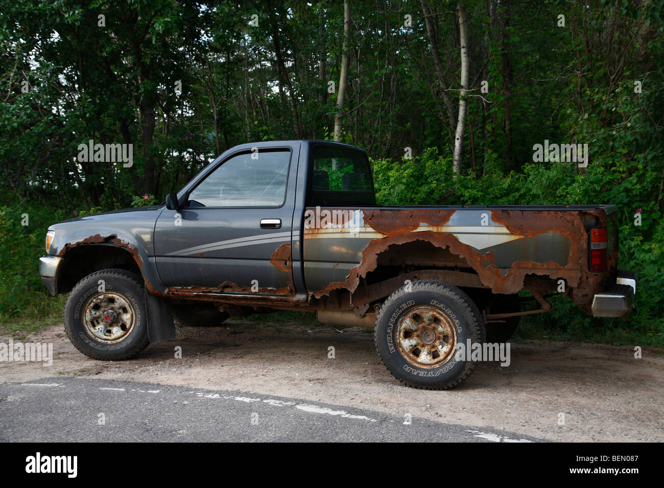 Old rusty junky Toyota pickup truck Stock Photo: 26276775 - Alamy
