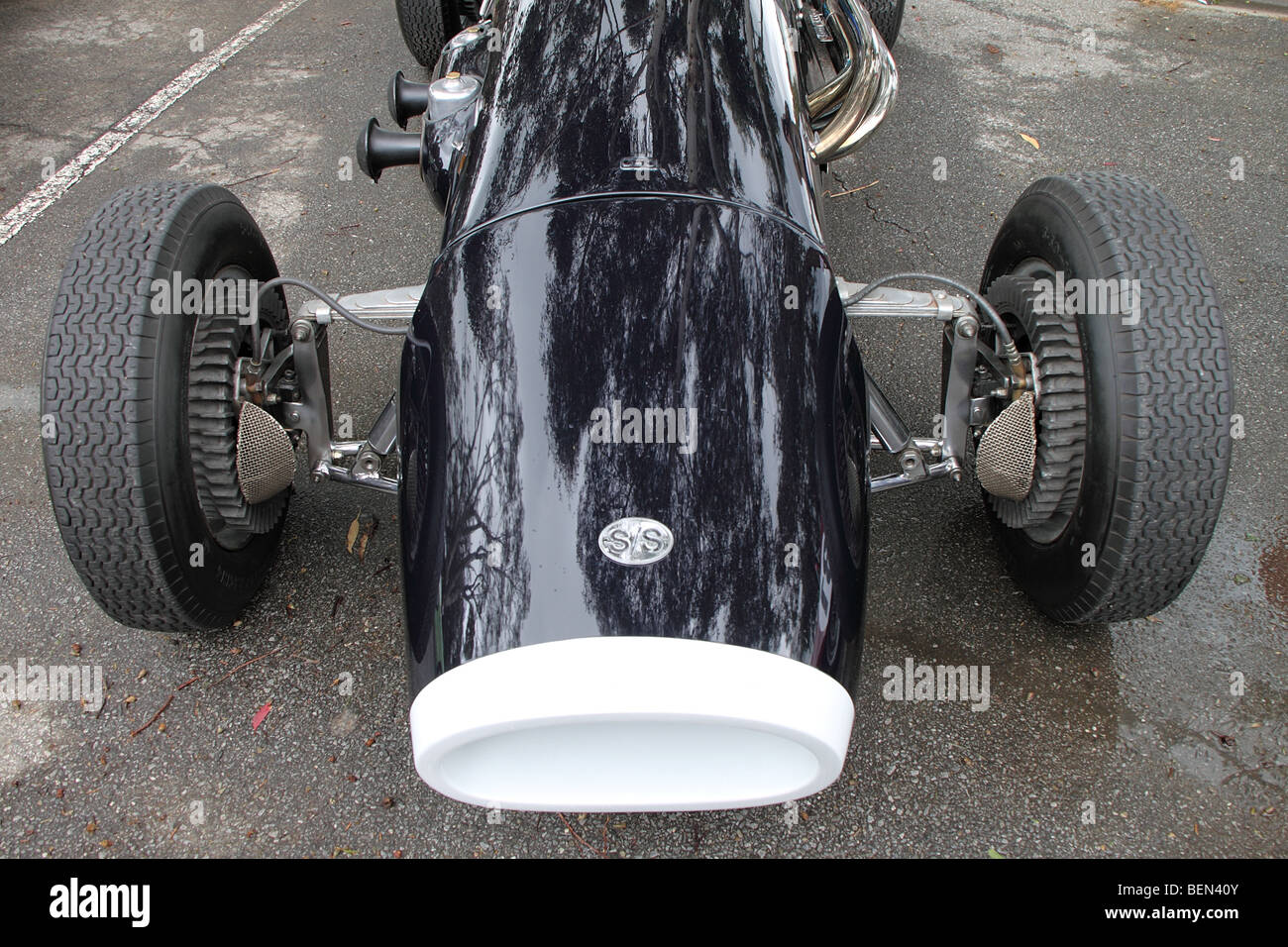 Motorcar Tyres Stock Photos & Motorcar Tyres Stock Images