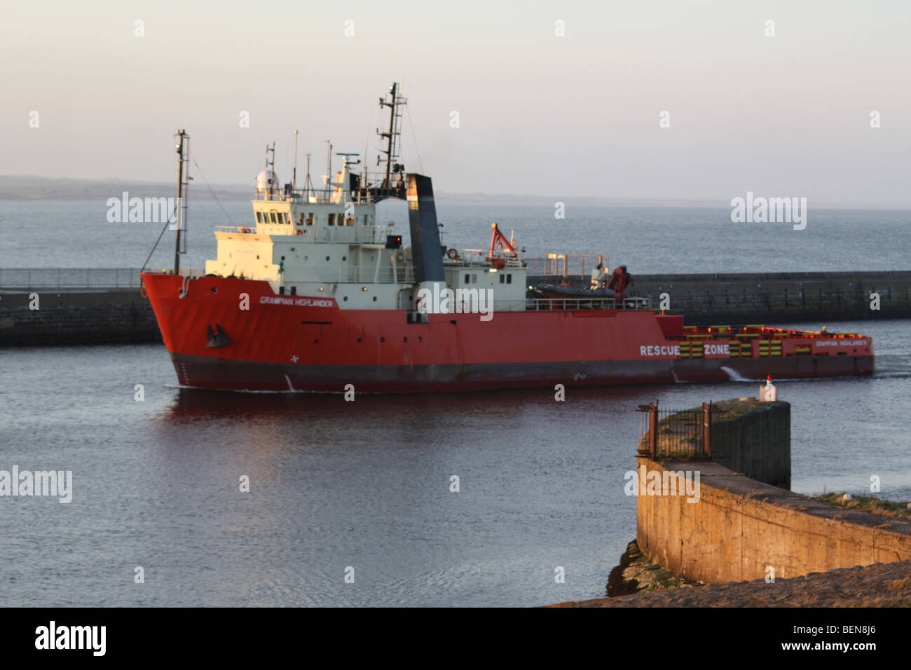 picture of the grampian highlander rescue boat in aberdeen harbour - Stock Image