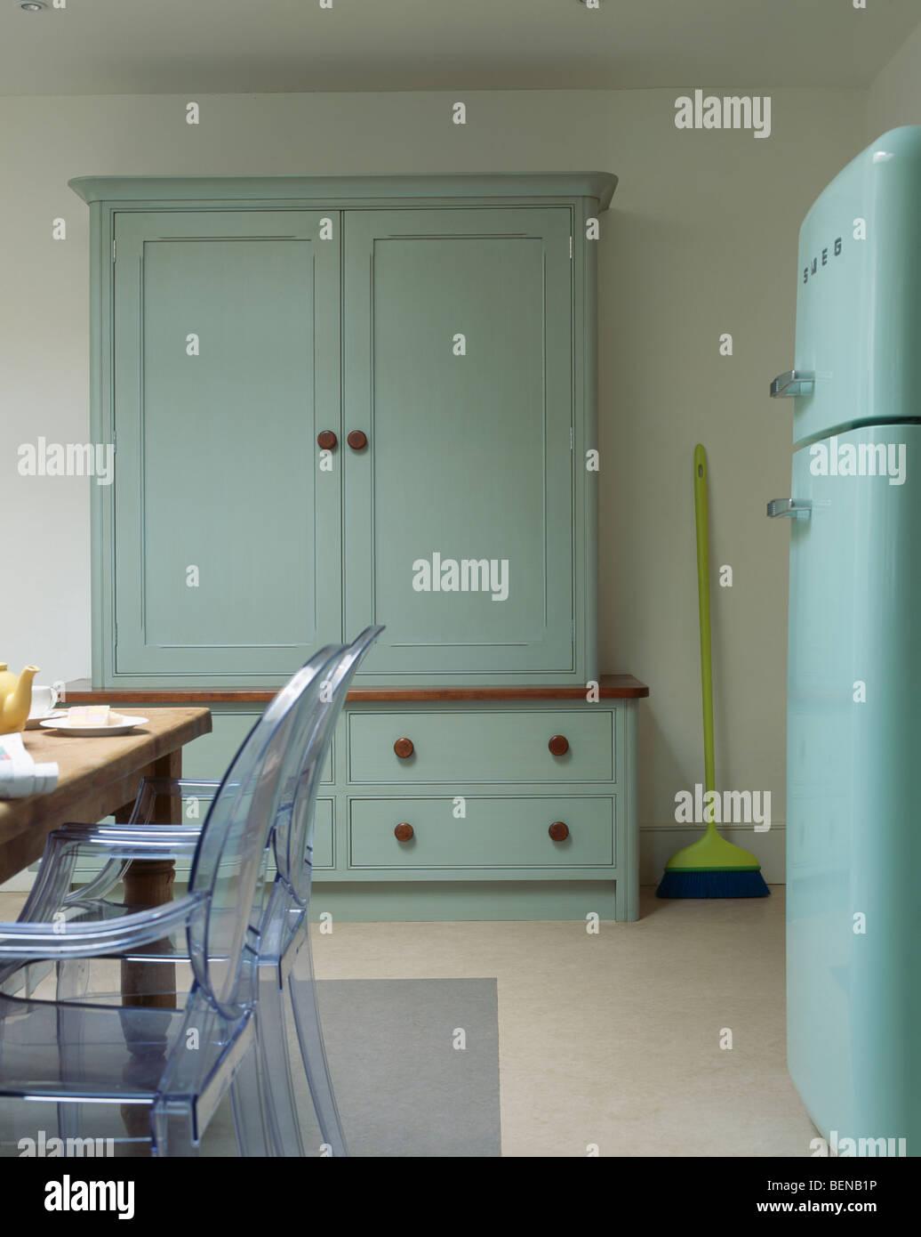 Interiors Kitchens Traditional Dressers Stock Photos & Interiors ...