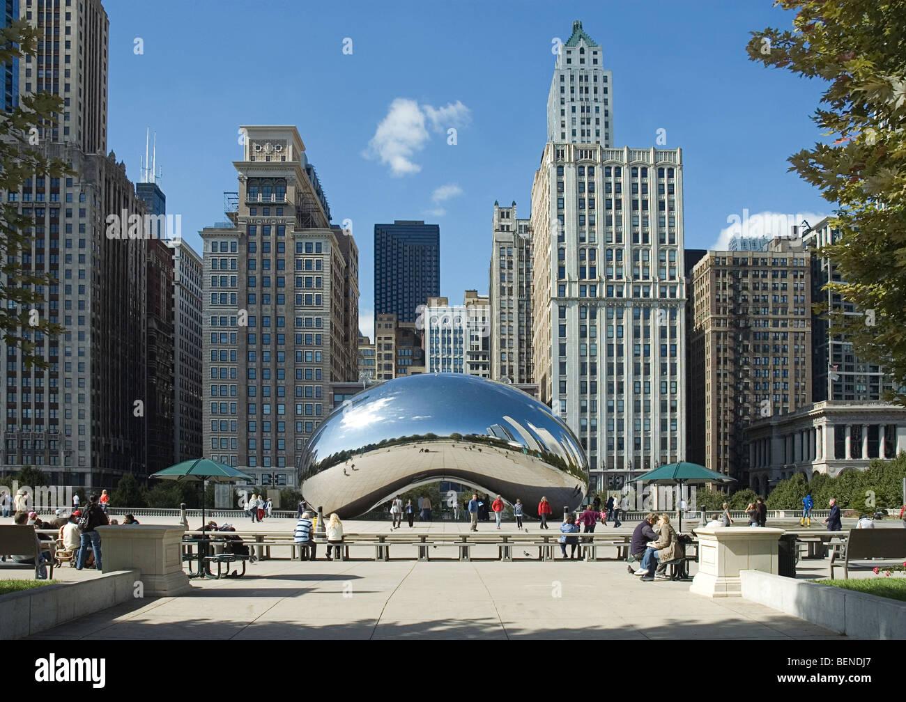Cloud Gate, Millennium Park, Chicago, Illinois - Stock Image