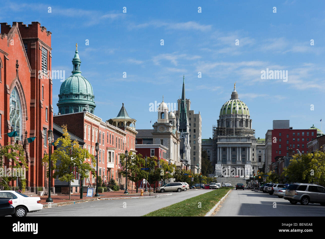 State Street with the Capitol building at the top & the dome of St Patrick Cathedral to the left, Harrisburg, - Stock Image