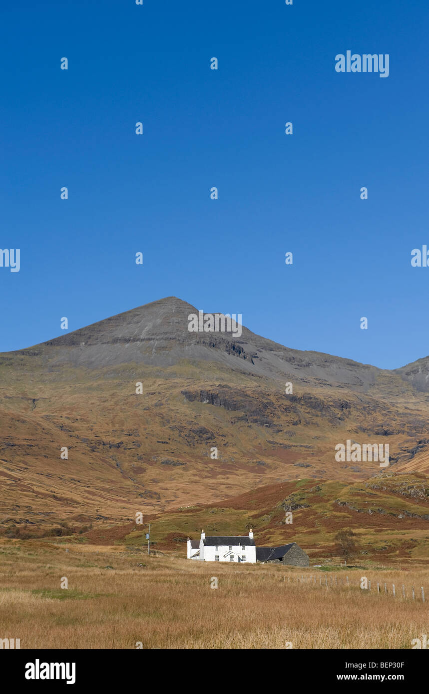 remote cottage and ben more, isle of mull, scotland - Stock Image