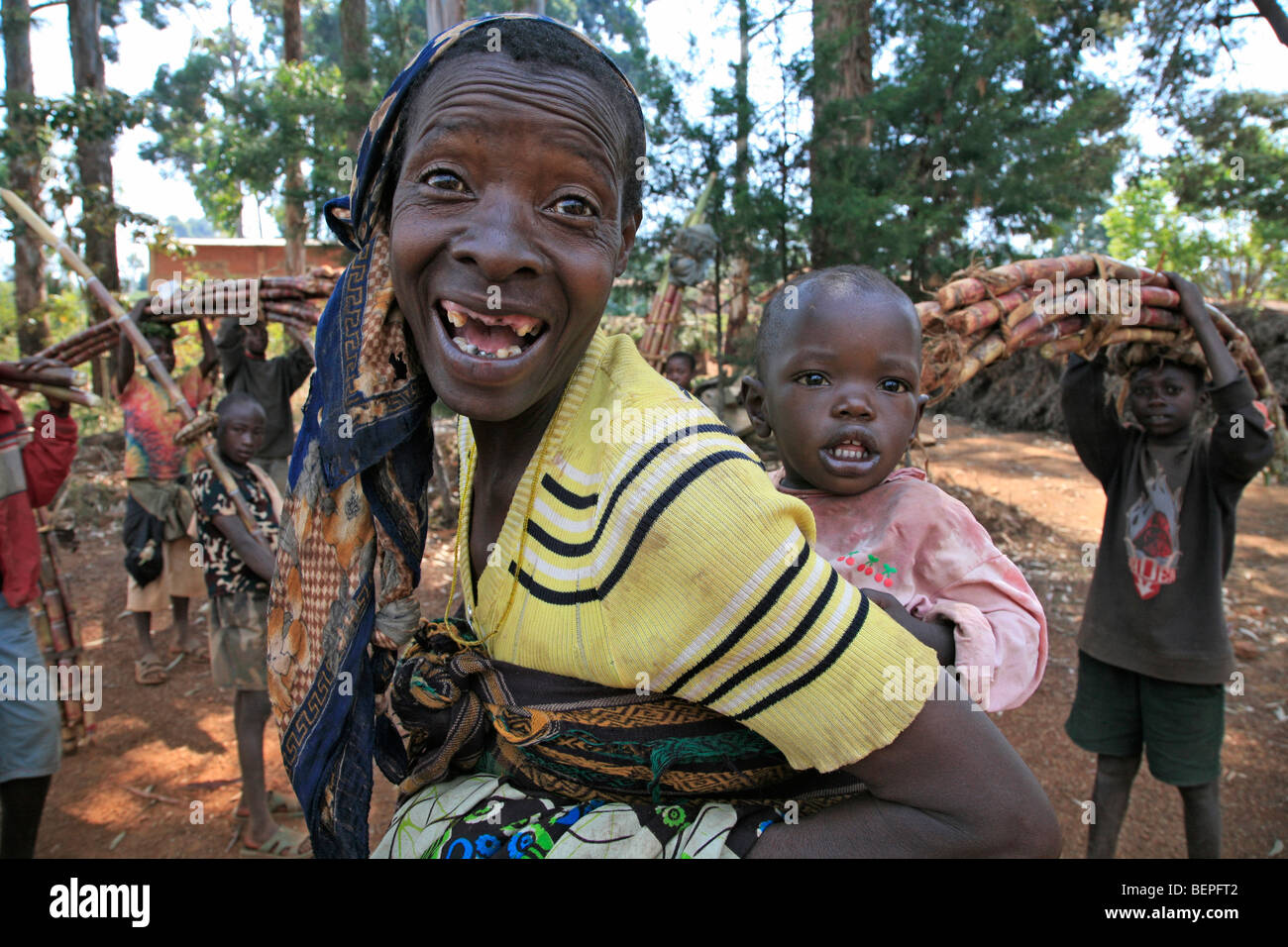 BURUNDI Mother and child, Gitera. PHOTOGRAPH by Sean Sprague 2009 - Stock Image