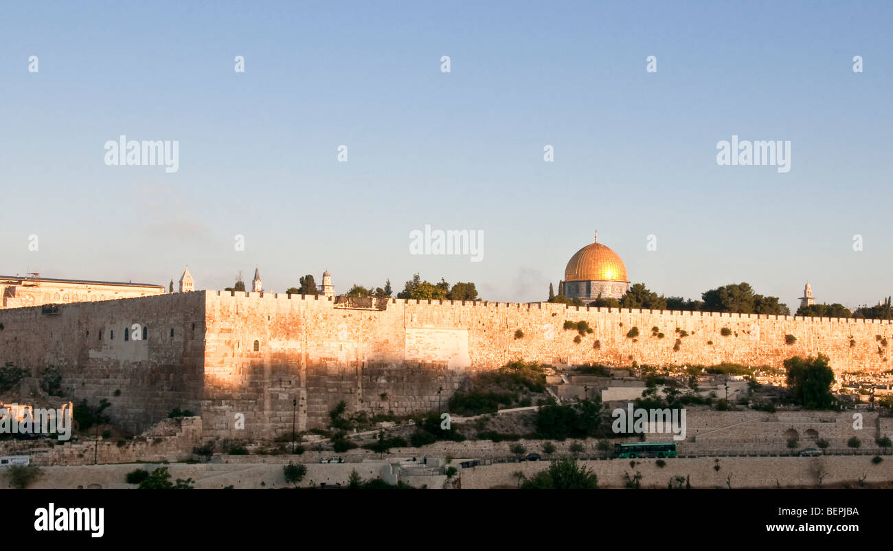 Israel, Jerusalem, View of Temple Mount and the Old City from Mount Olives - Stock Image