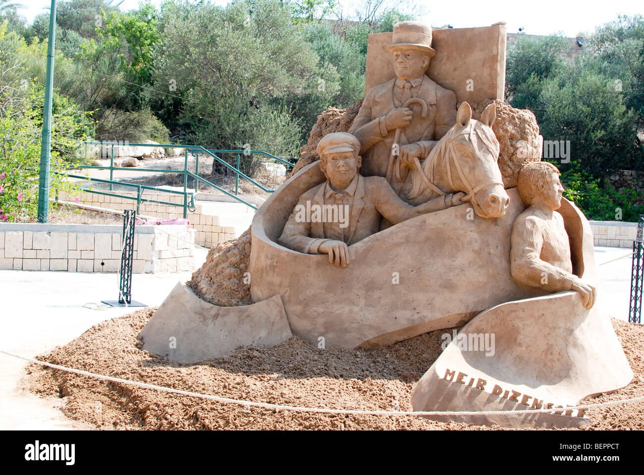 Tel Aviv, Centennial celebrations, sand sculptures of famous buildings and landmarks Meir Dizengoff on his horse - Stock Image