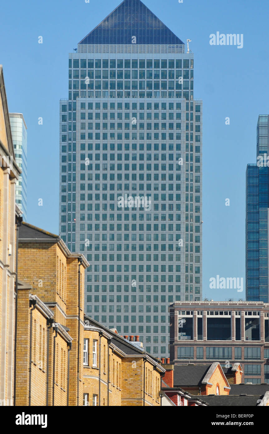 One Canada Square, Canary Wharf, Docklands, as seen from Rotherhithe, London SE16 - Stock Image