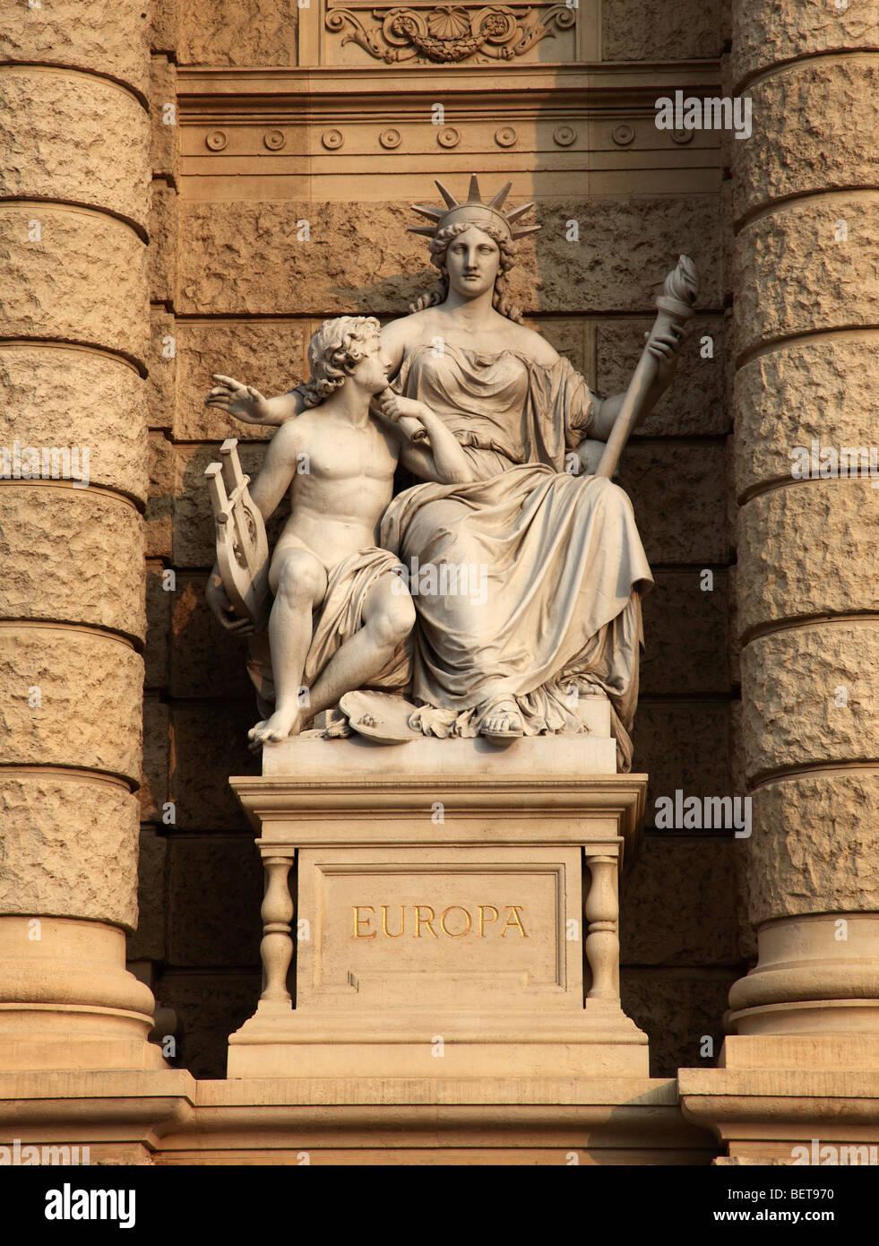 Austria, Vienna, Museum of Natural History, Europe statue - Stock Image