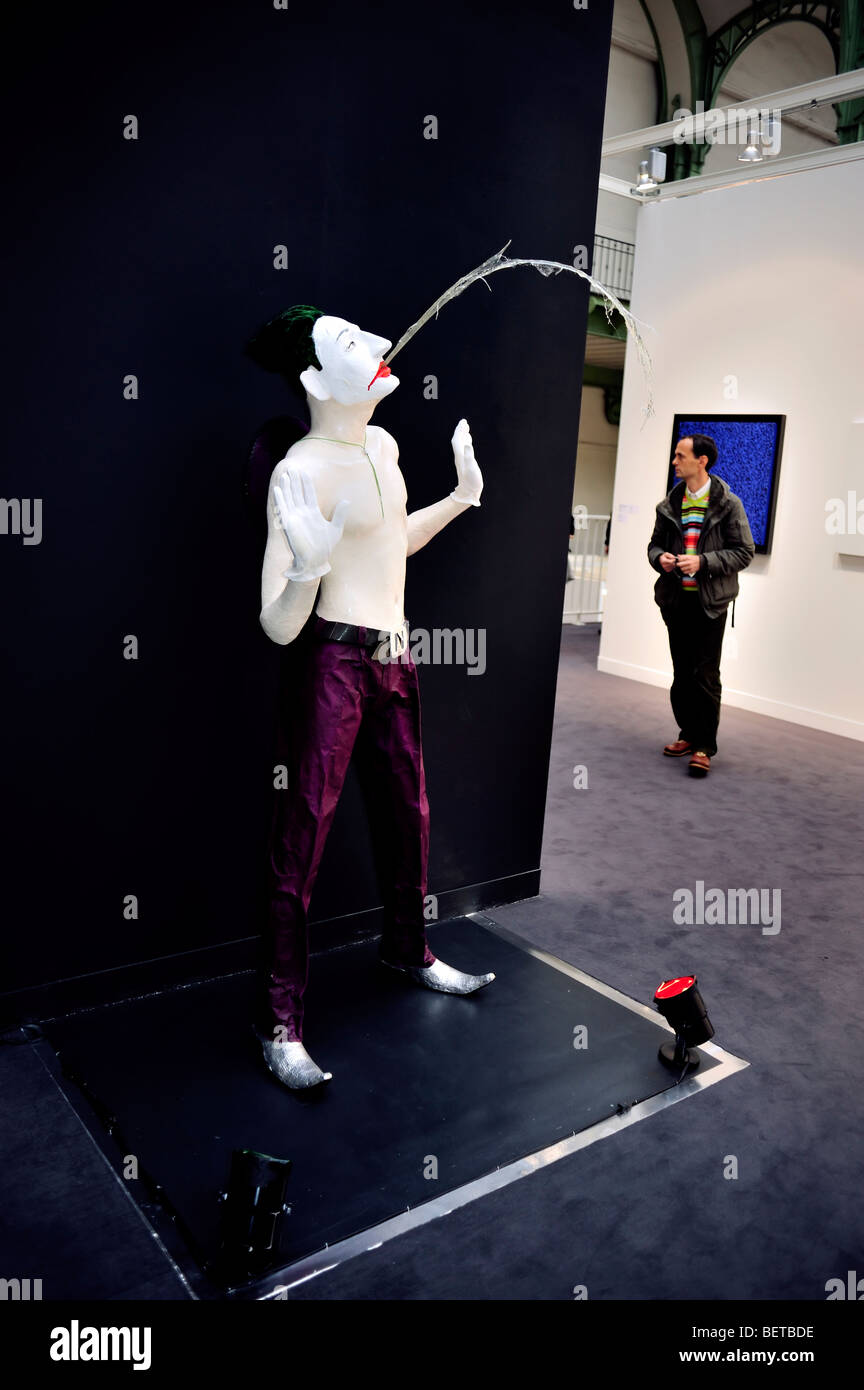 Paris, France, People Visiting Annual Contemporary Arts Show, FIAC, in 'Grand Palais', 'Modern Art', - Stock Image