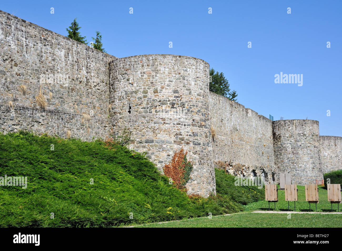 Old medieval town rampart / city wall at Binche, Hainaut, Wallonia, Belgium - Stock Image