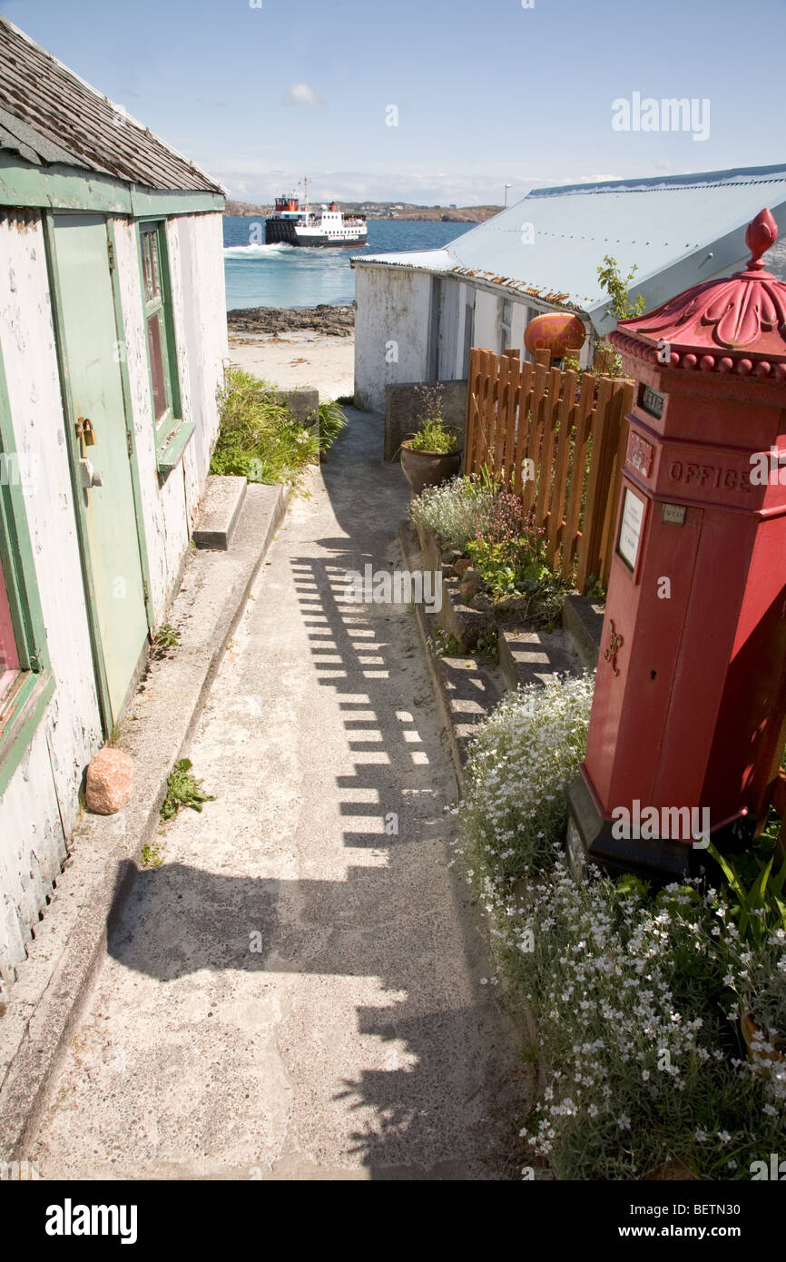 Iona post office, the Cal Mac ferry on the sound of Mull - Stock Image