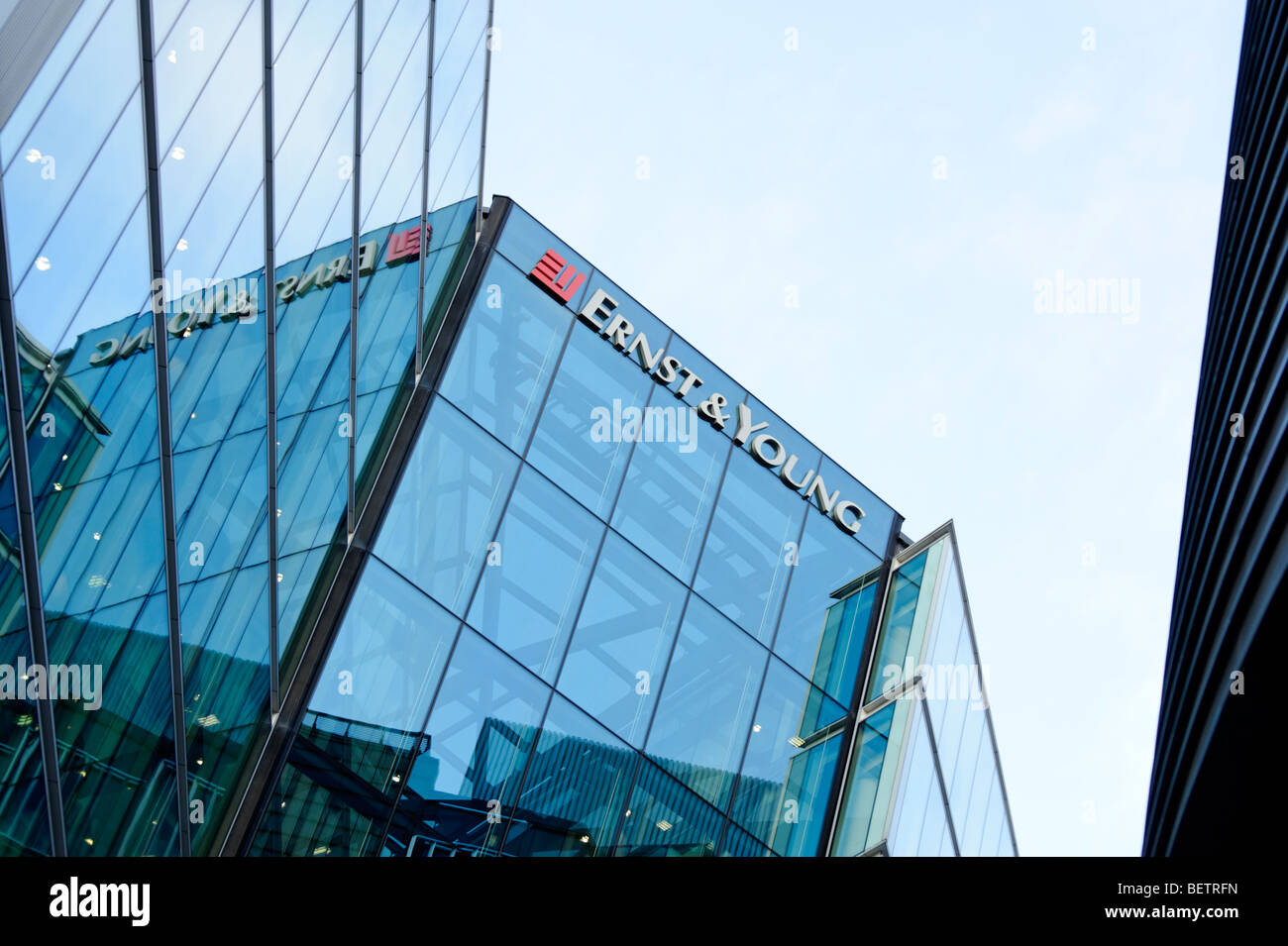 Ernst & Young offices at More London Place. Tooley Street. London. Britain. UK - Stock Image
