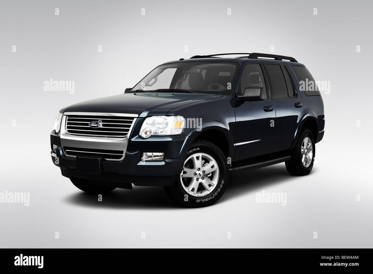 2010 ford explorer xlt in black front angle view