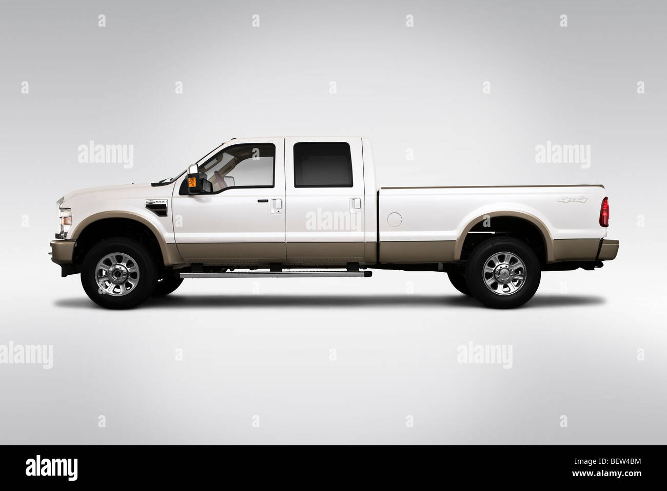 2010 ford f 250 sd lariat in drivers side profile