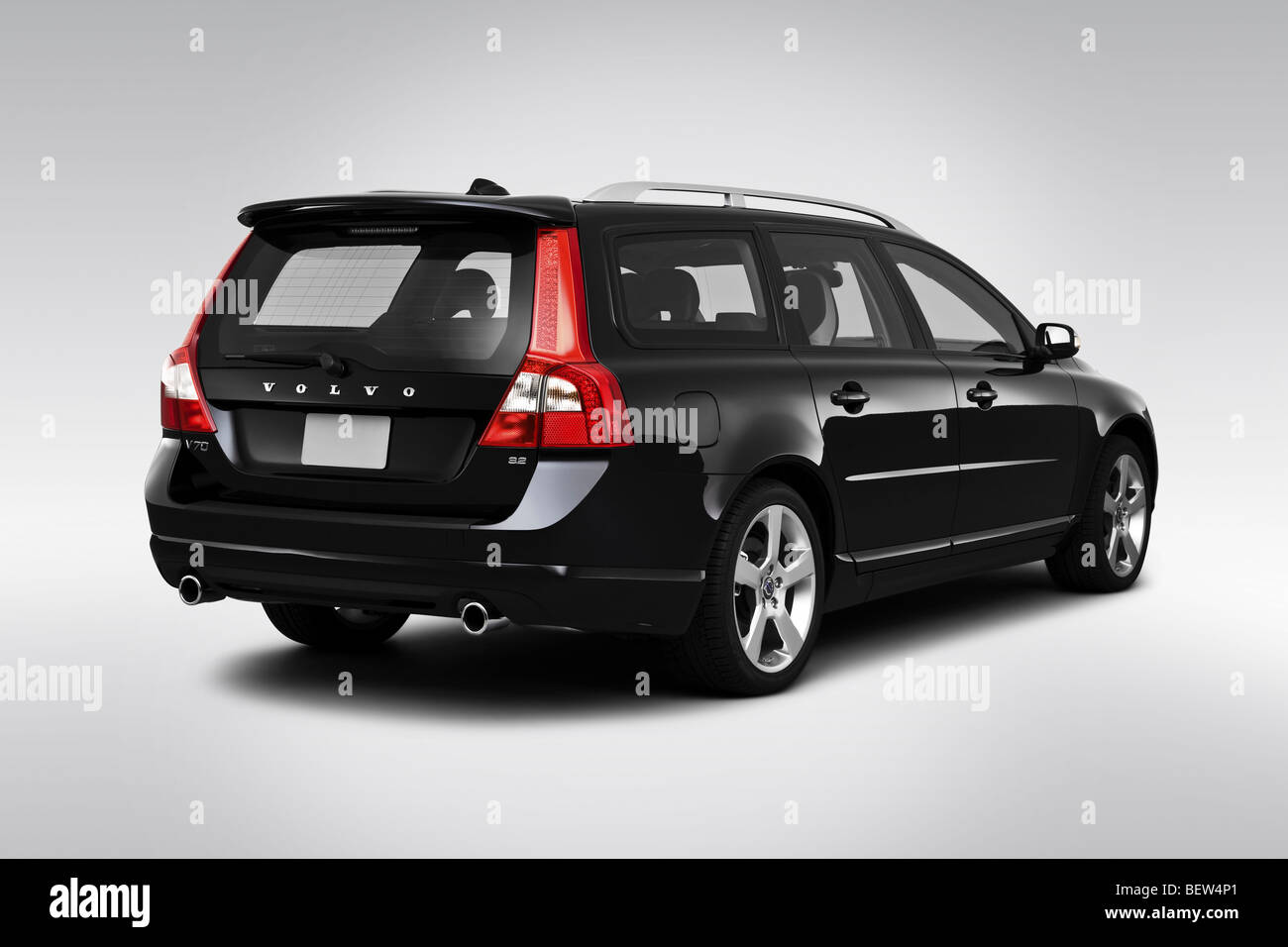 2010 volvo v70 32 a sr in black rear angle view BEW4P1 - 2010 Volvo Xc70 3 2