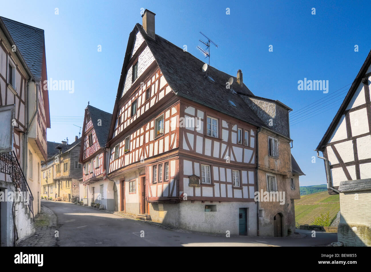 Half-timber houses in Enkirch on the Moselle, Rhineland-Palatinate, Germany - Stock Image