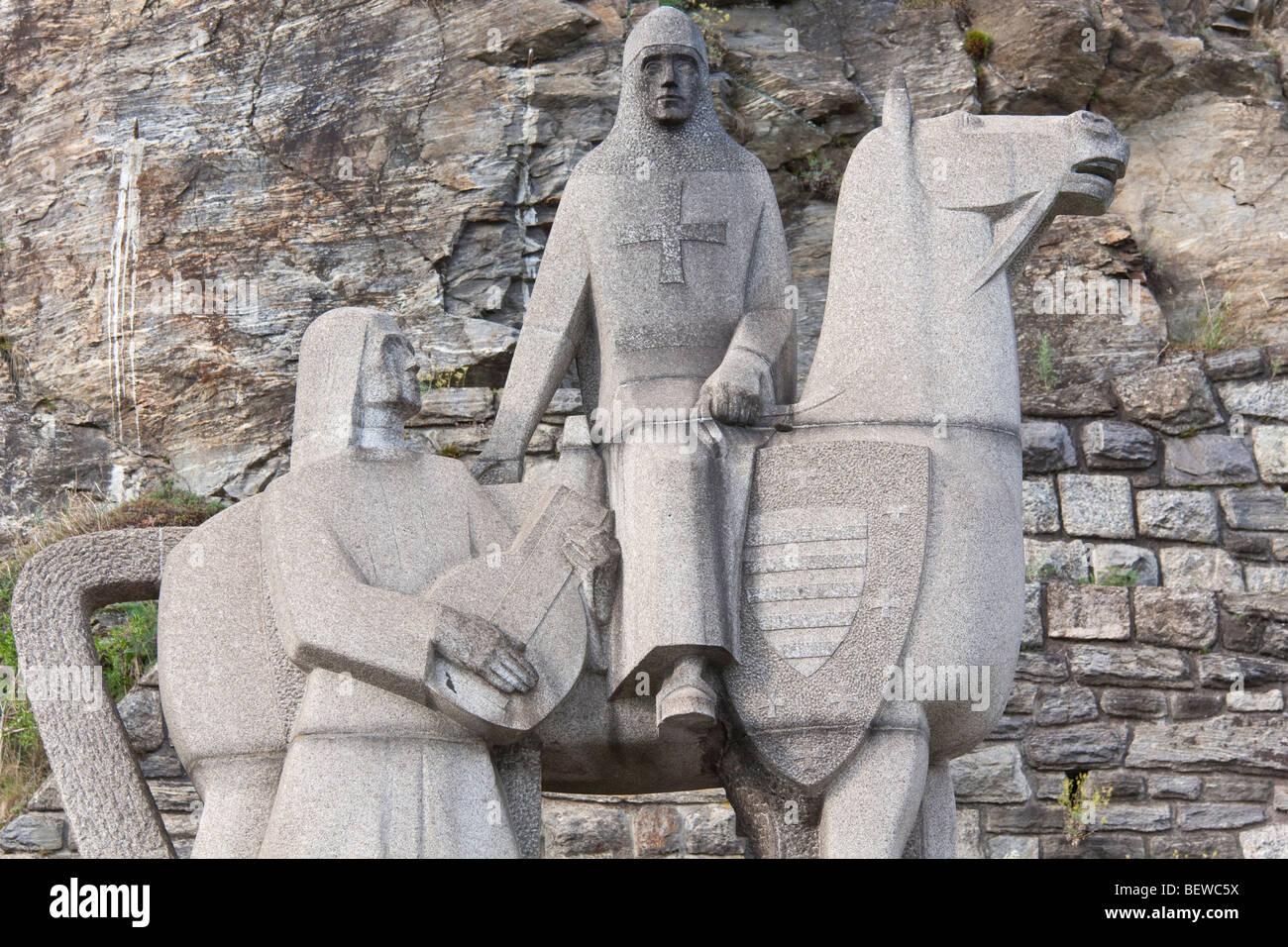 Sculpture of Richard Lionheart and Blondel de Nesle near Duernstein, Austria - Stock Image