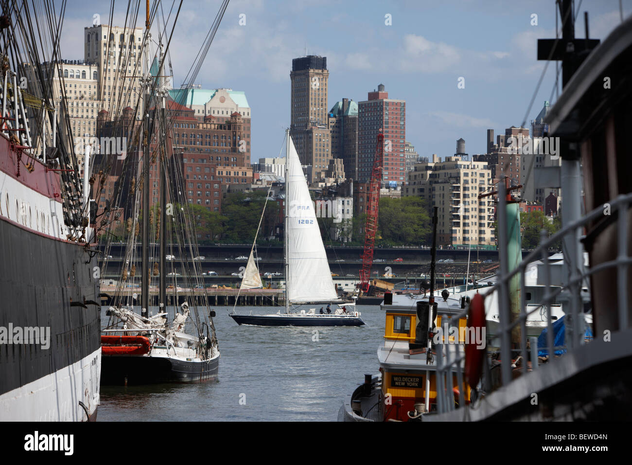 Sailing vessels at the South Street Seaport, New York City, USA - Stock Image