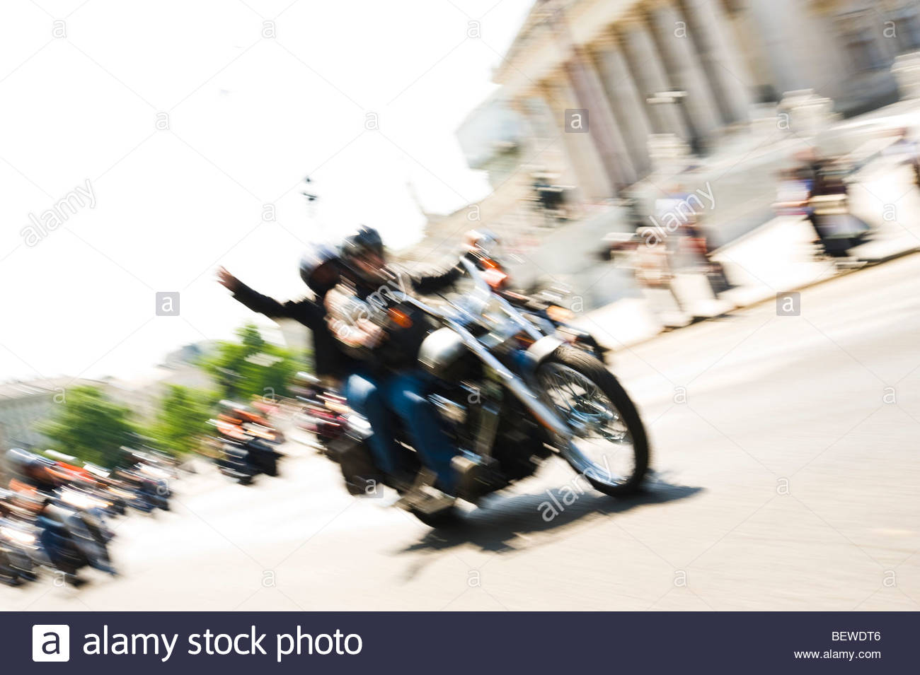 Harley-Davidson riders, parliament building in the background, Vienna, Austria, blurred motion - Stock Image
