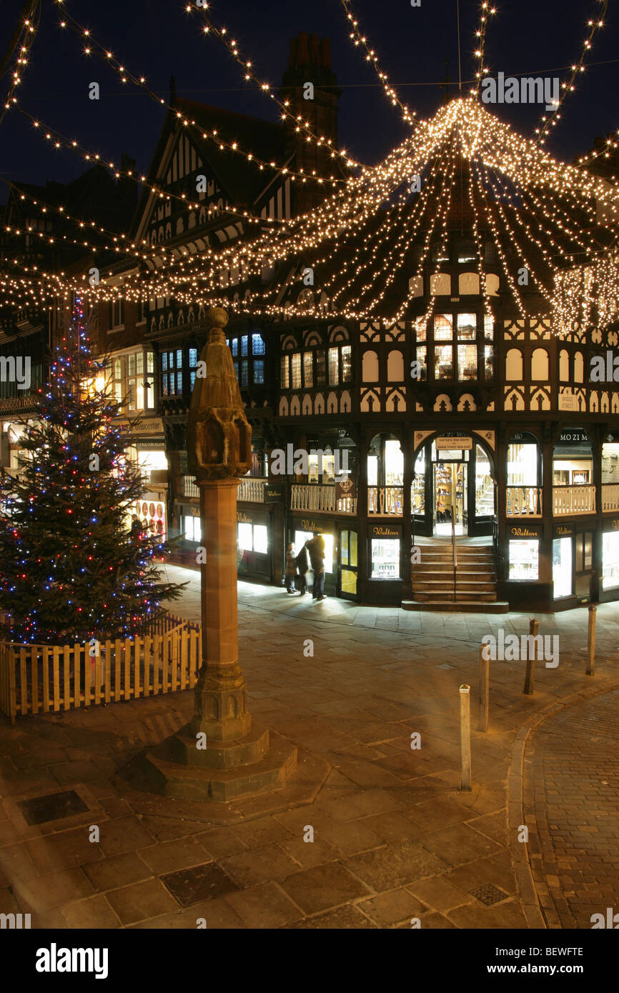 Chester Cross Christmas Tree And Street Light Decorations At The Eastgate Bridge Junction