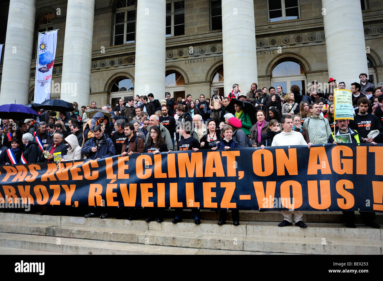 Paris, France, Demonstration 'Flash Mob' of French Environmentalists to 'Wake up' French President - Stock Image