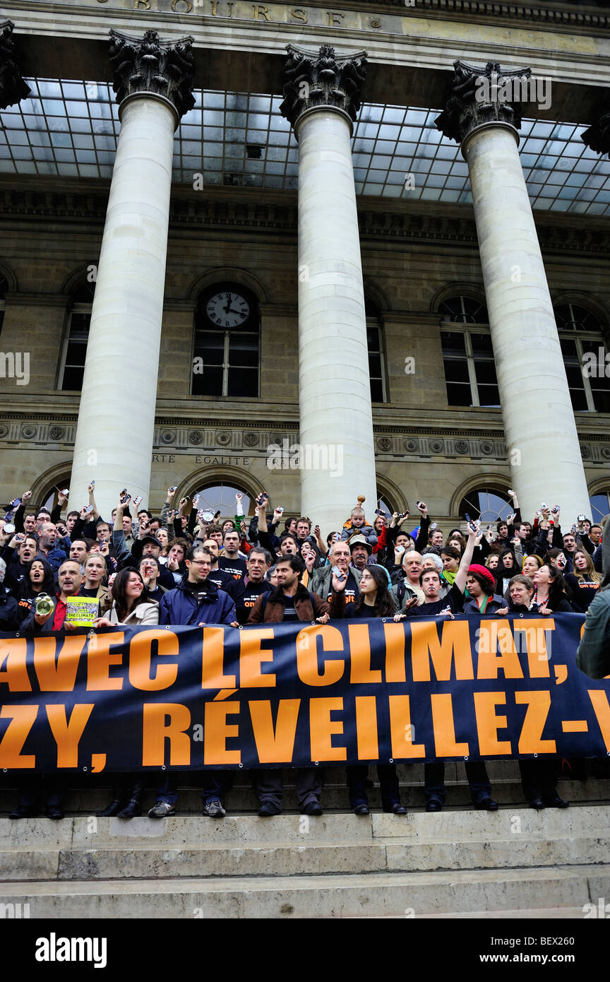 Paris, France, Crowd at Demonstration 'Flash Mob' of French Environmentalists Protests to 'Wake up' - Stock Image