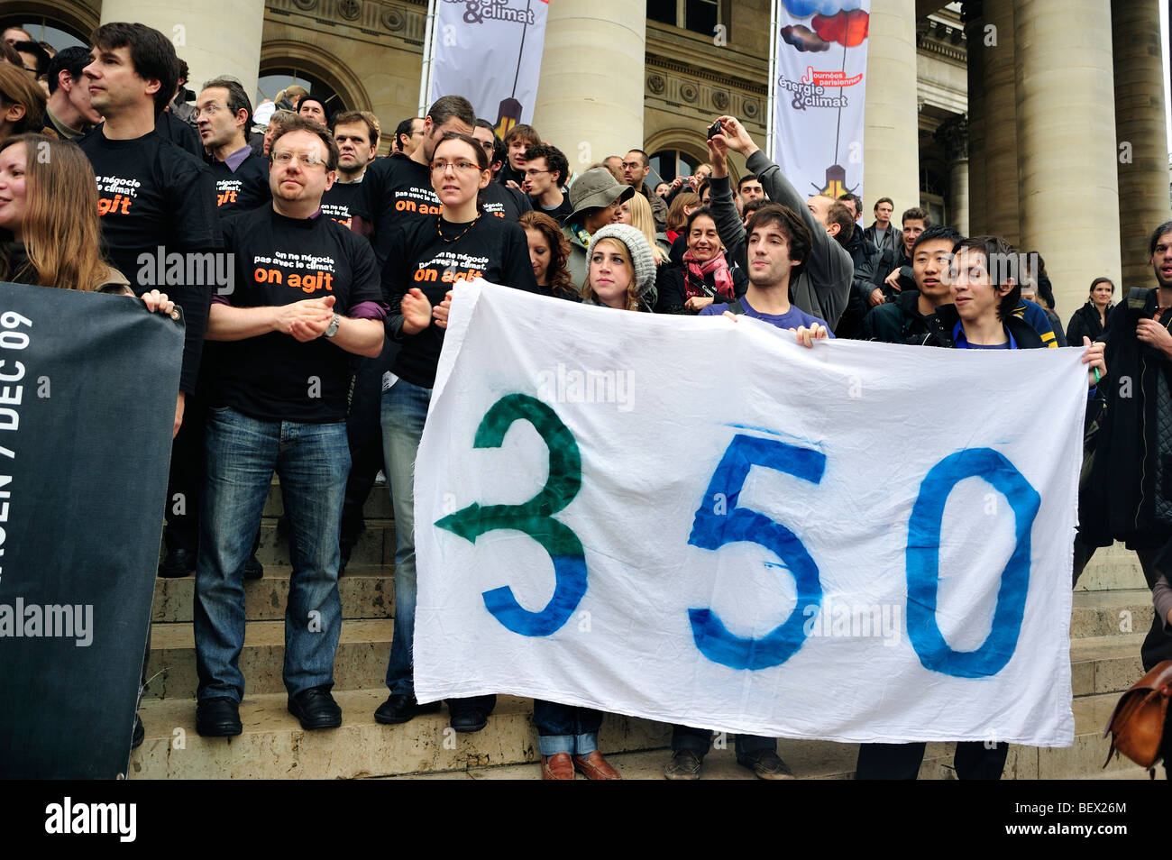 Paris, France, Crowd at Demonstration 'Flash Mob' of Young French Environmentalists international NGO, Protests - Stock Image
