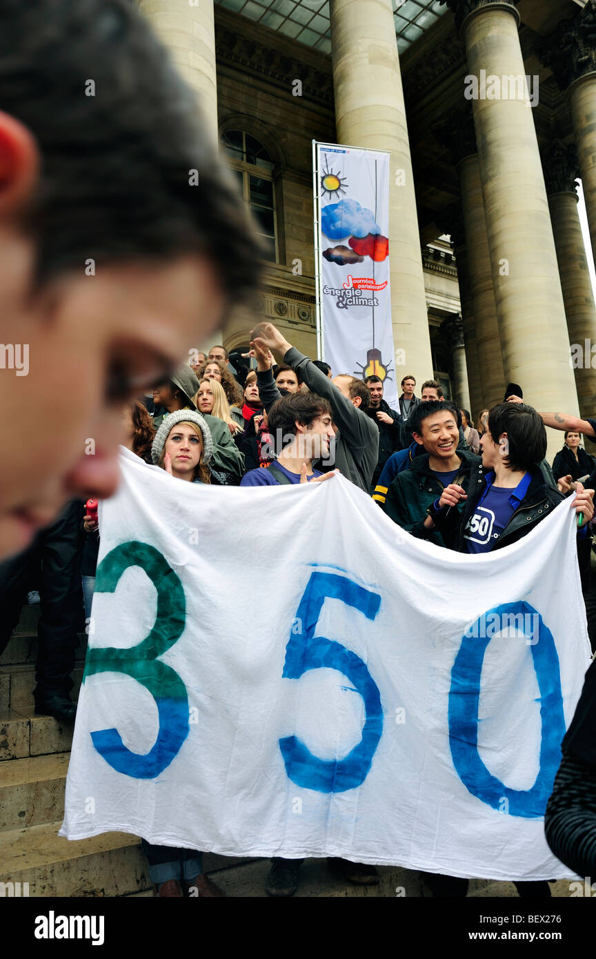 Paris, France, Protesters Holding Banners, at Demonstration 'Flash Mob', of French Environmentalists to - Stock Image