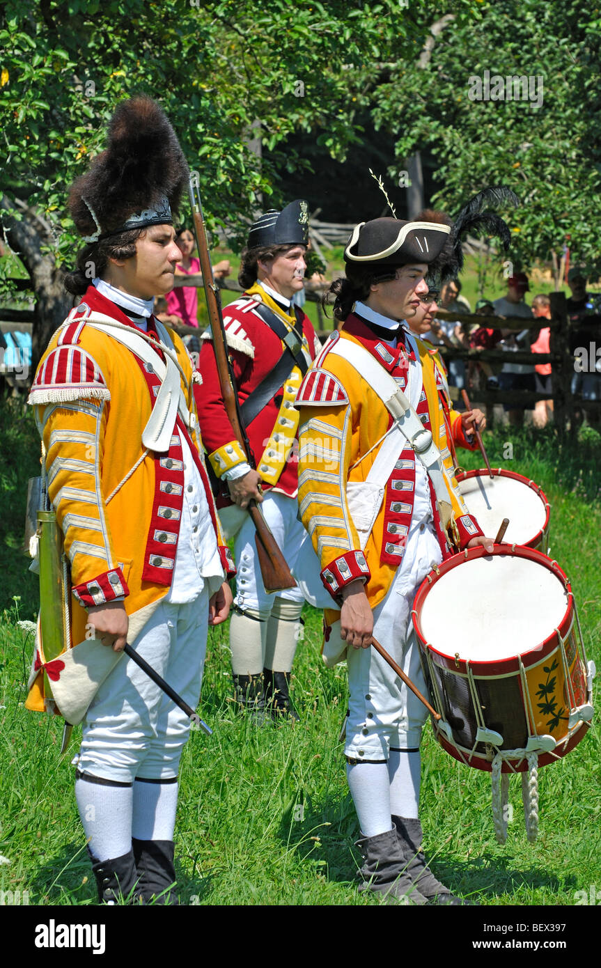 44th Regiment of Foot infantry regiment of the British Army (1770's) - American Revolutionary War reenactment - Stock Image