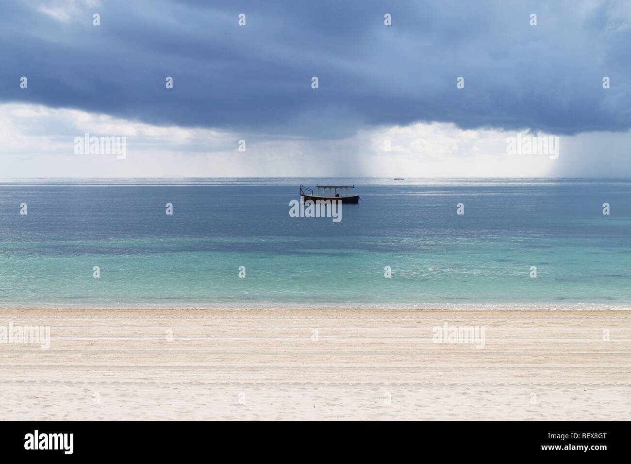 A tropical sandy beach with storm approaching, Riviera Maya, Cancun, Mexico - Stock Image
